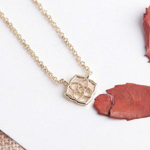 Kendra Scott Logo Pendant Necklace In Gold